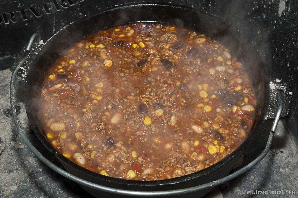 Nach einer Stunde bei gleichem Setup (6/11) die Bohnen und den Mais zugeben.