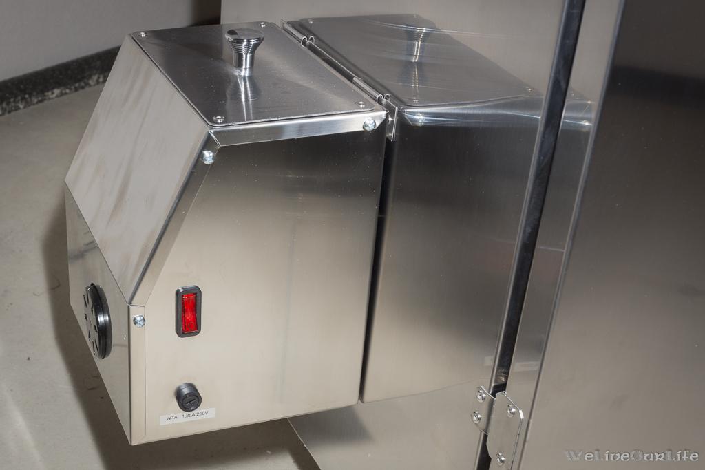 Rauchgenerator mit Ein/Aus-Schalter und Sicherung