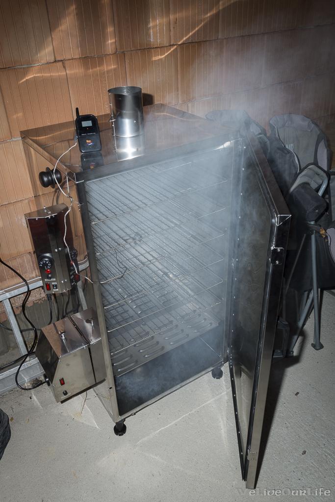 """Erstes aufheizen auf 80°C für 2 Stunden und """"aromatisieren"""" des neuen Ofens."""