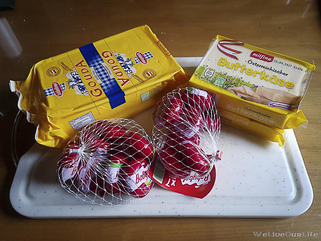 Ausgangsmaterial waren 500g Gouda, 2x350g Butterkäse und 2 Säckchen BabyBell